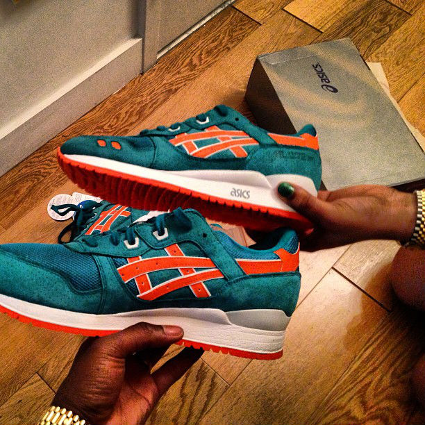 Ronnie Fieg x ASICS GEL-Lyte III Teal Orange Miami Dolphins (2)