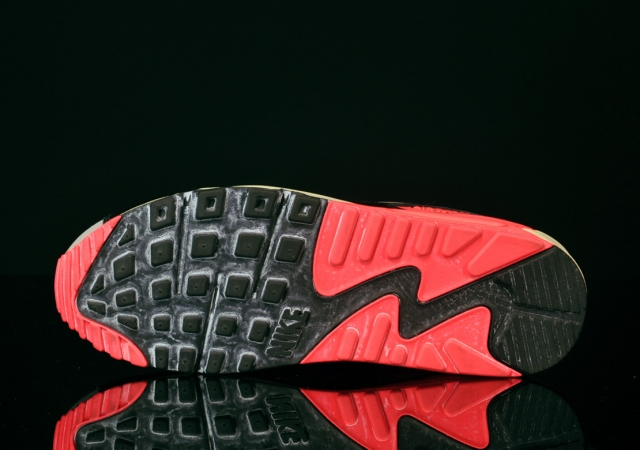 Nike Air Max 90 VNTG Infrared Detailed Images | Sole