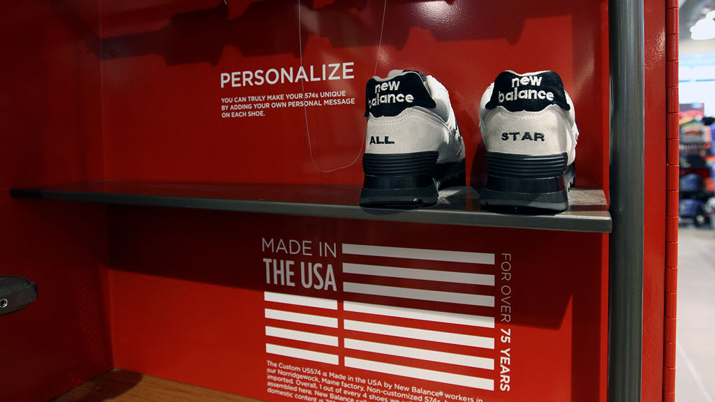 New Balance Kiosk for 574 Customization at Foot Locker in Times Square (5)