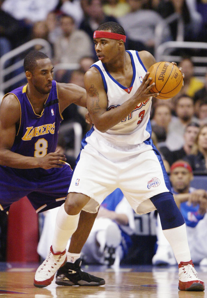 Quentin Richardson wearing Air Jordan IX 9 Los Angeles Clippers Home PE