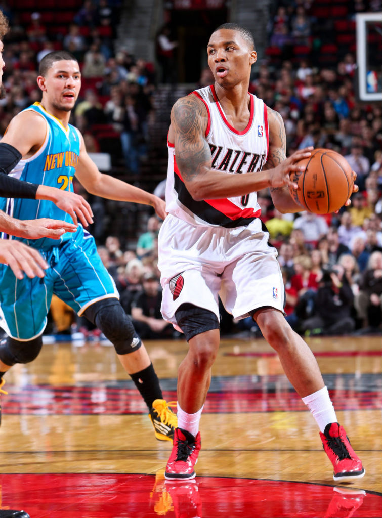 Damian Lillard Hits Game Winner in adidas Rose 773 (2)