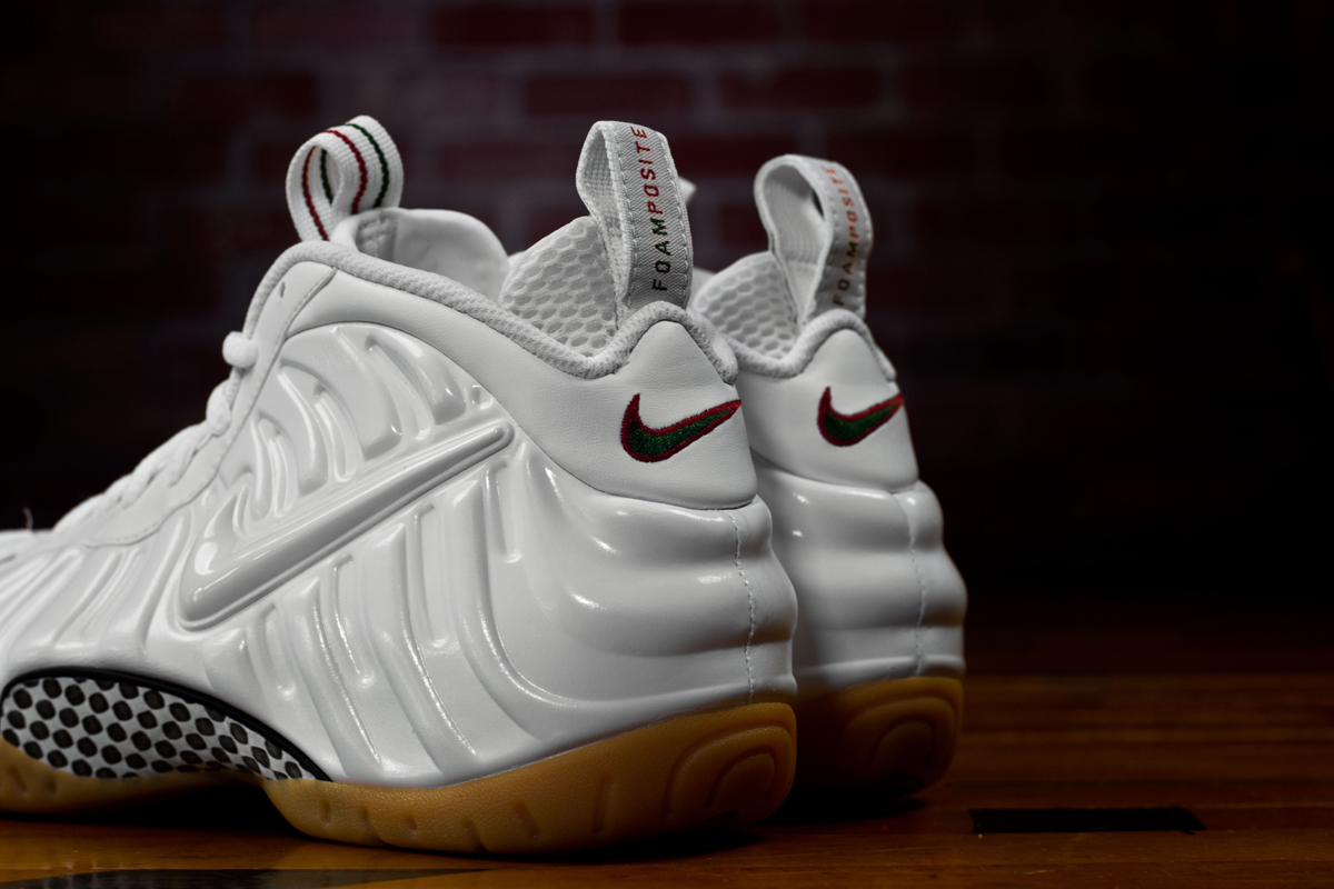 the best attitude 4ba85 4103b Here's a Look At the 'Winter White' Nike Air Foamposite Pro ...