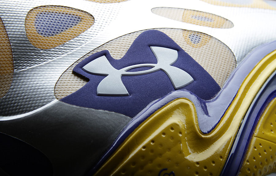 Under Armour Anatomix Spawn Stephen Curry Silver PE (4)