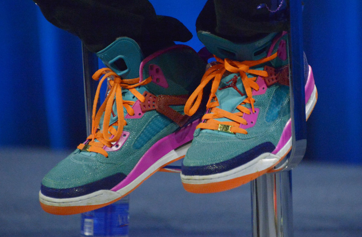 Chris Martin Jordan Spizike Super Bowl 50 Performance (1) 1609cde6d
