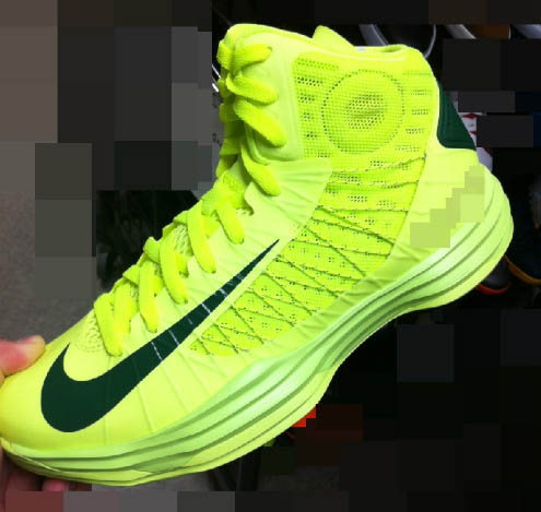 huge selection of 97d99 91879 Nike Lunar Hyperdunk 2012 Volt