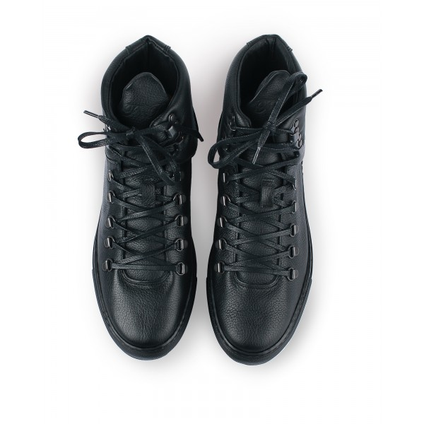 Filling Pieces Mountain Boot in black leather top