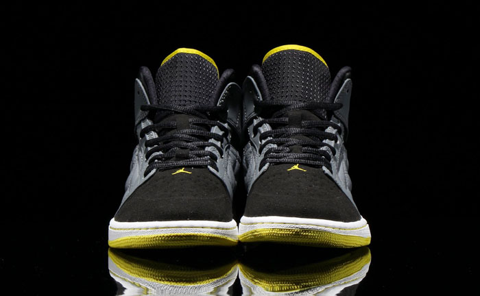 Air Jordan I 1 Retro '99 Cool Grey/Vibrant Yellow-Black-White 654140-032 (3)