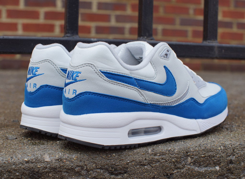 nike air max light 39 air max 1 39 sole collector. Black Bedroom Furniture Sets. Home Design Ideas