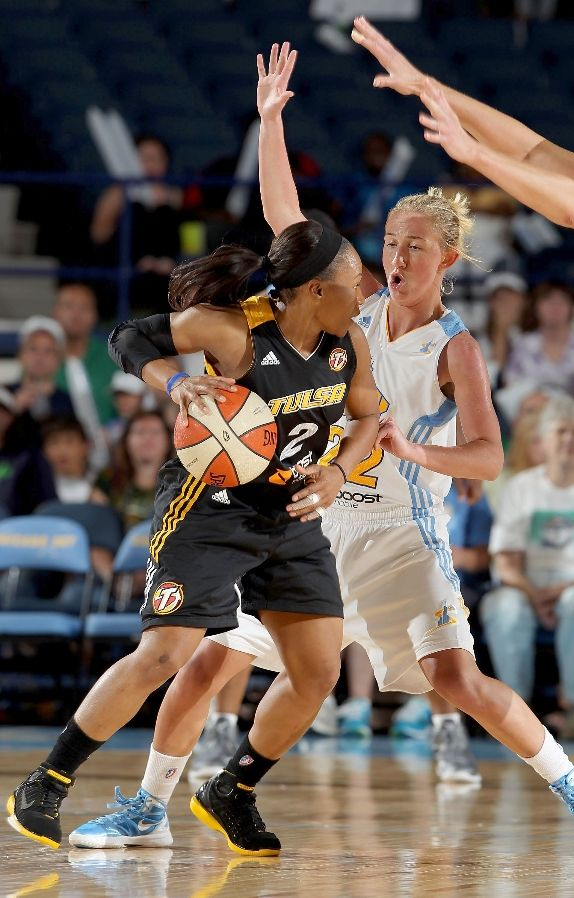 Tameka Johnson wearing Nike Air Zoom Huarache 2K4