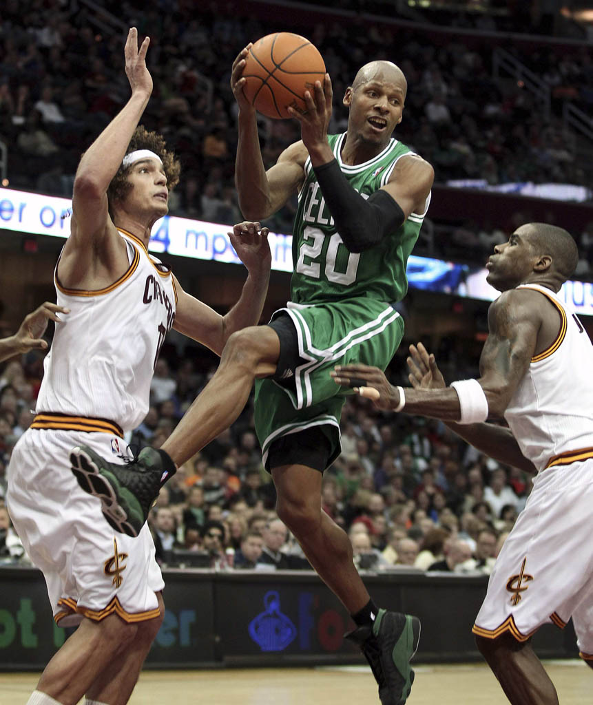 87048d428fe Ray Allen Wears Black/Green Air Jordan 13 PE Against Cavs | Sole ...