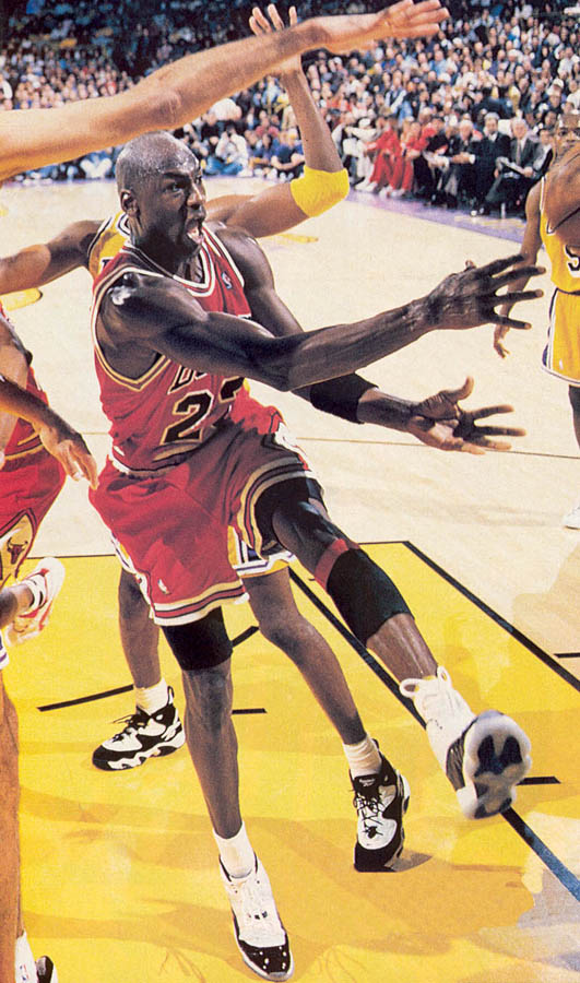 Michael Jordan wearing Air Jordan XI 11 Concord (30)