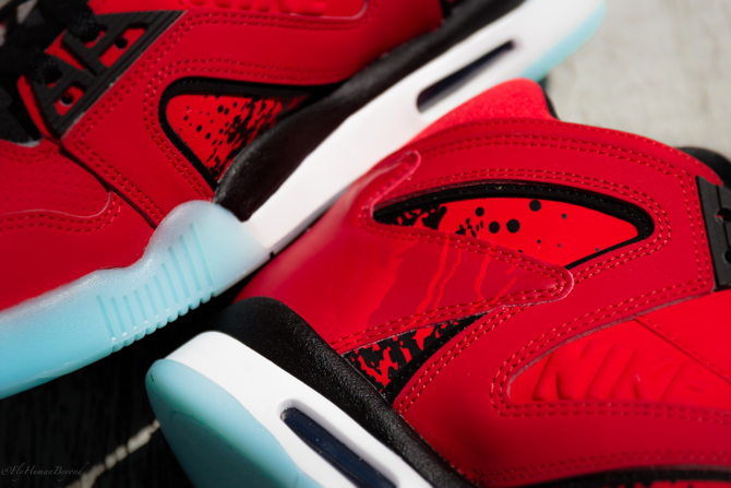 Nike Air Tech Challenge Hybrid in Chilling Red Details