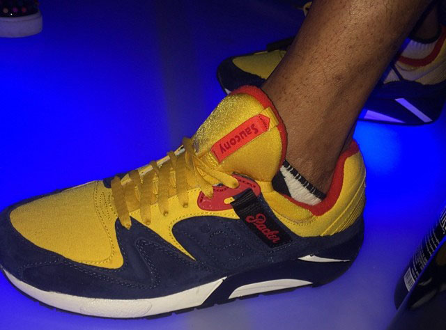 Packer Shoes x Saucony Grid 9000 Snow Beach (1)