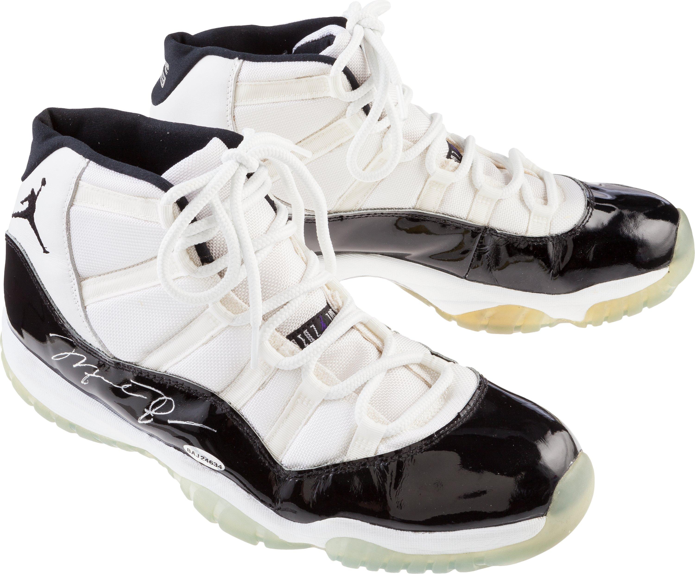 Michael Jordan Signed Game-Worn Air Jordan 11 1995