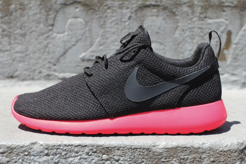 détaillant en ligne a7617 14c79 A Look Back At 20 Notable Roshe Run Releases | Sole Collector