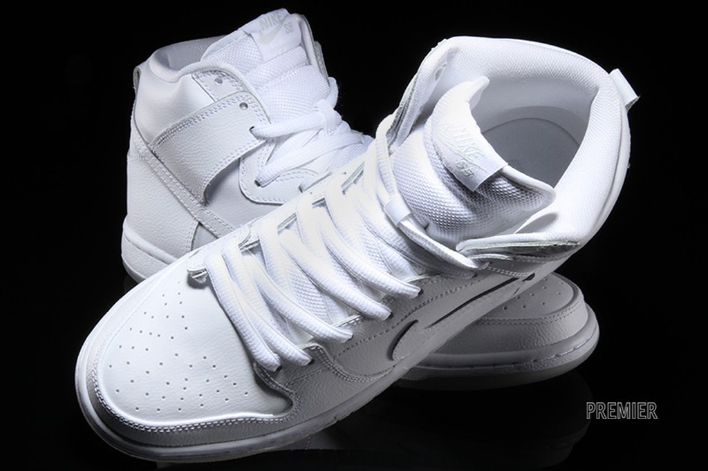 white nike dunks