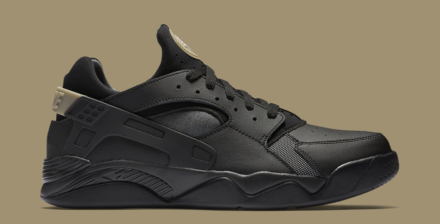a5774e0a0b7d2 Nike Almost Blacks Out on Huaraches Again