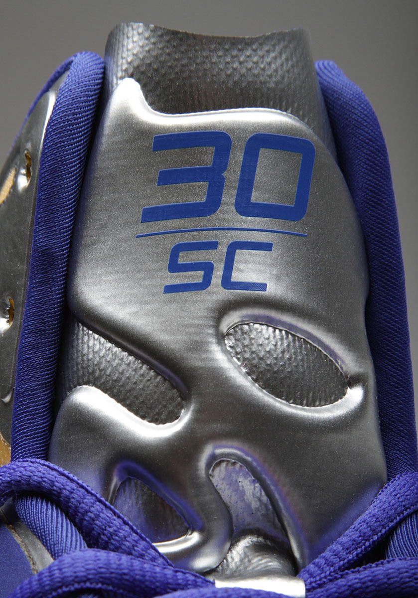 Under Armour Anatomix Spawn Stephen Curry Silver PE (5)