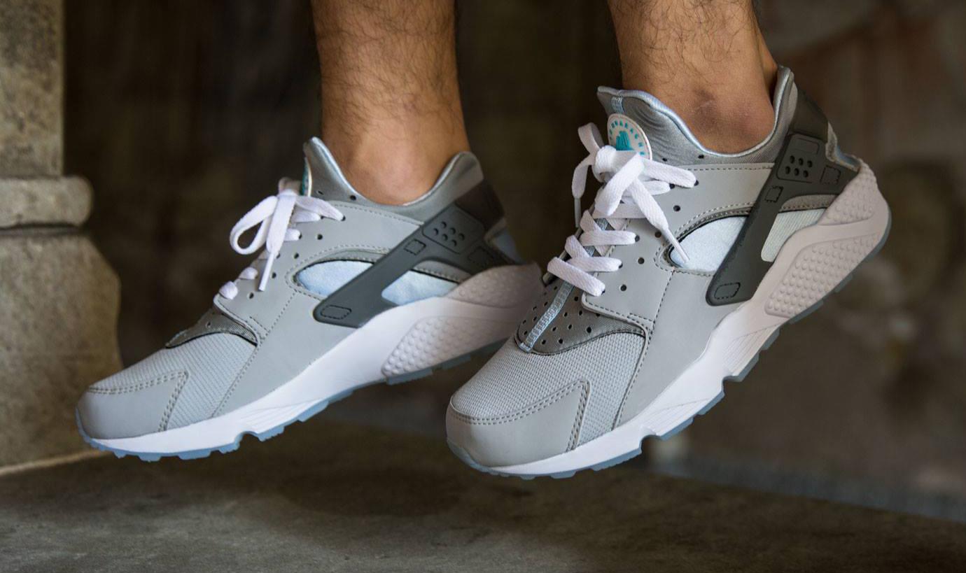 see how the mag nike air huaraches look on feet - Nike Huarache Colors