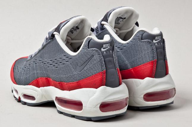 brand new 28489 24538 Nike Air Max 95 EM -