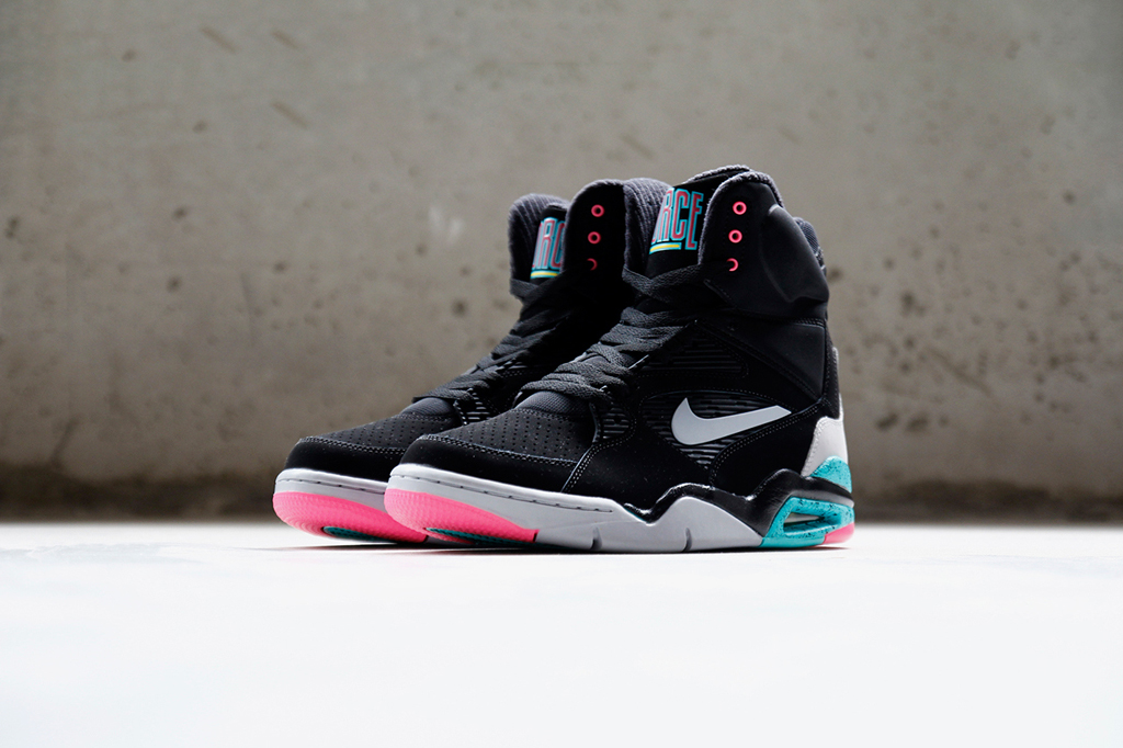 Another Look at the  Spurs  Nike Air Command Force  e5f2fadba
