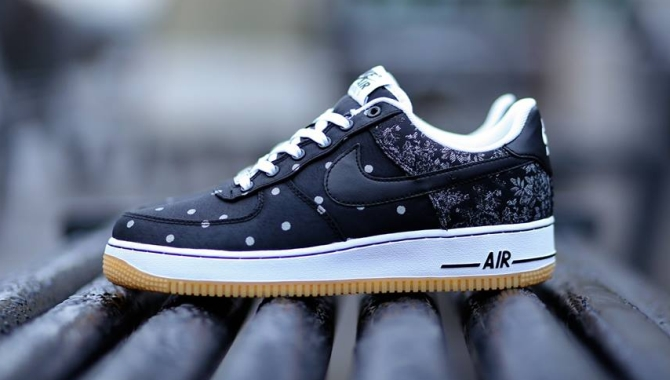 nike air force polka dot