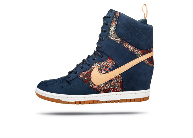 Liberty of London x Nike WMNS Dunk Hi SneakerBoot navy