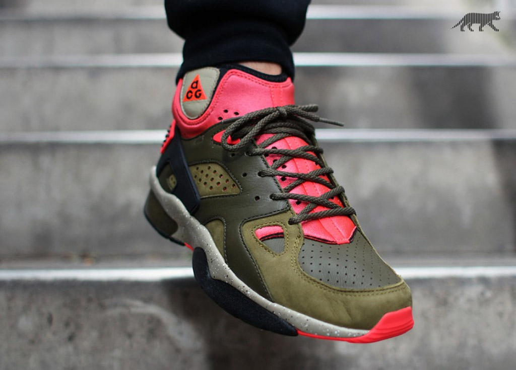 040d1de69c9c Nike Air Mowabb OG Color  Militia Green Black-Dark Loden-Bamboo Style    749492-303. Price   180