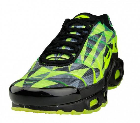 Nike Air Max Neon Green