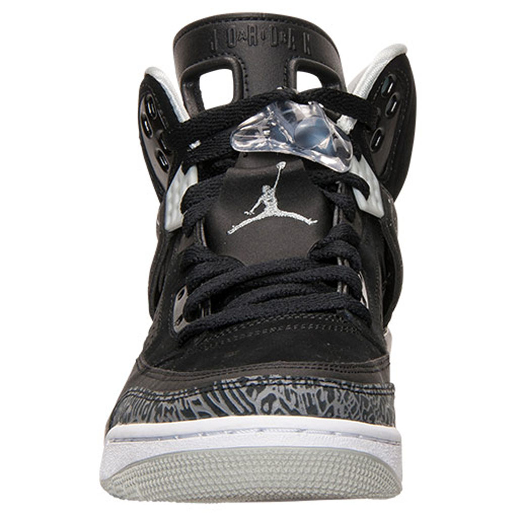 8b313e79f74d Another Batch of  Oreo  Jordan Spizike Photos
