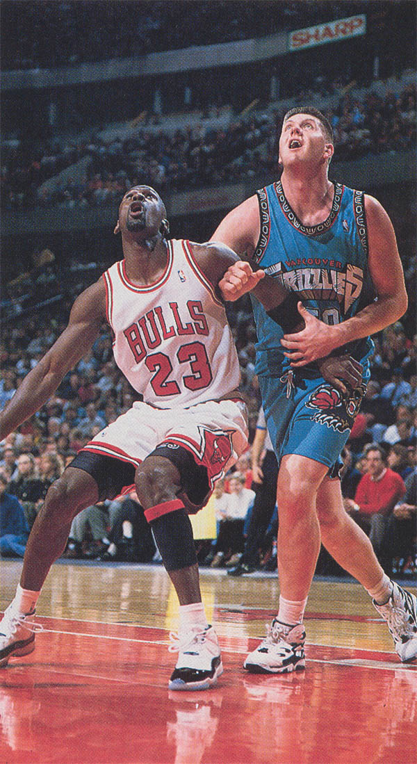 Michael Jordan wearing Air Jordan XI 11 Concord (35)