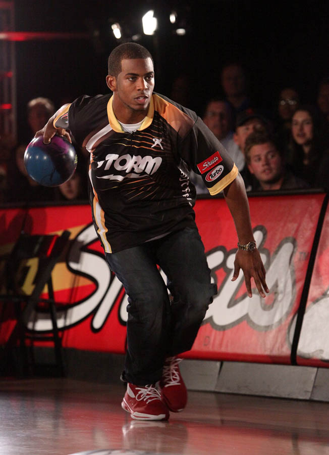Chris Paul PBA Celebrity Bowling Tournament 2012 - Chris Paul (4)