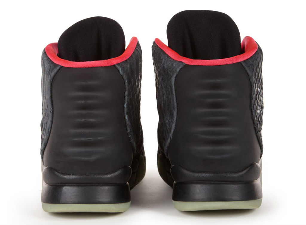 Autographed Nike Air Yeezy 2 II Auction for Re/Create New York (3)