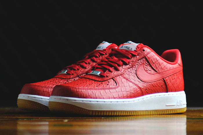 Nike Air Force 1 Low '07 LV8 'Croc Gum' University Red