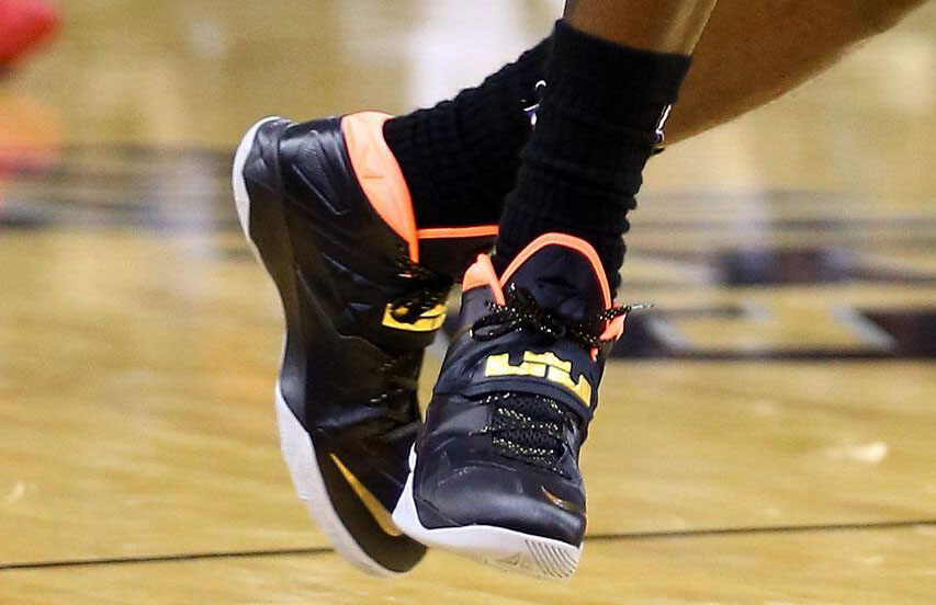 614377d171d LeBron James wearing Nike Zoom Soldier VII 7 Yeezy (2)