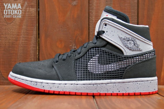 new arrival a877d 8d0f2 Look for these to hit authorized Jordan Brand accounts on September 21st.