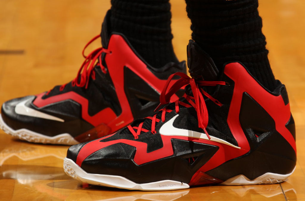 check out 5f202 afd96 LeBron James Debuts New Nike LeBron 11 PE...for One Quarter ...