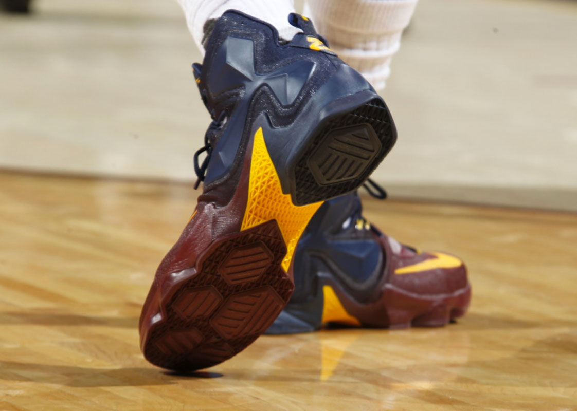 LeBron James Nike LeBron 13 Cavs Gradient PE (8)
