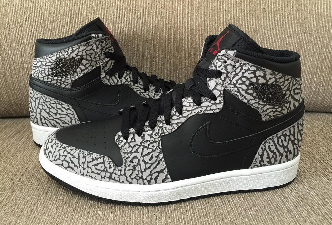 reputable site 33622 a5a52 Here's an Air Jordan 1 That Looks Like a Supreme Dunk | Sole ...