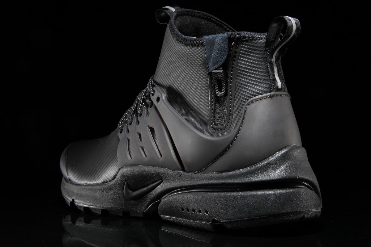 Nike Air Presto Mid Utility Triple Black Heel