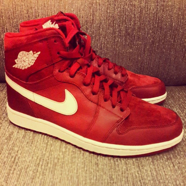 a661c90d4ed Air Jordan 1 Retro High OG - Gym Red Sail (1)