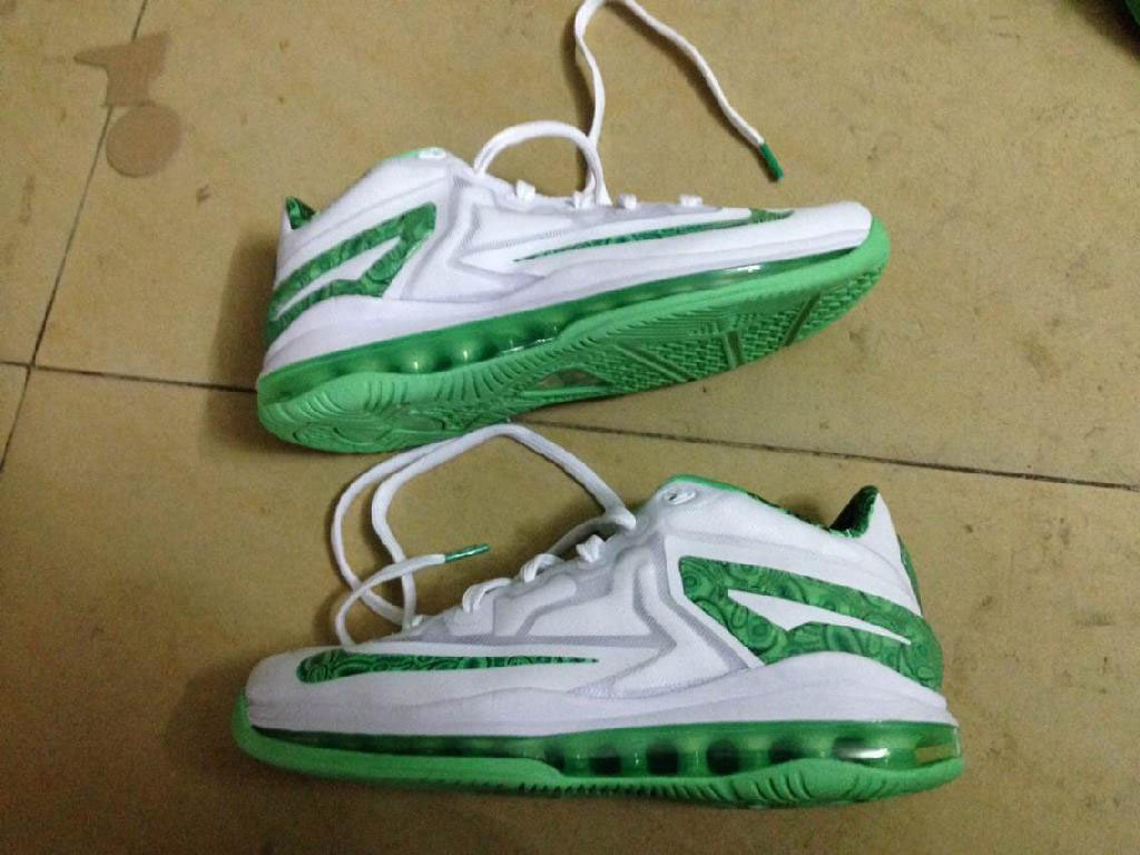 big sale 208aa dc188 Nike LeBron 11 Low Easter 642849-100