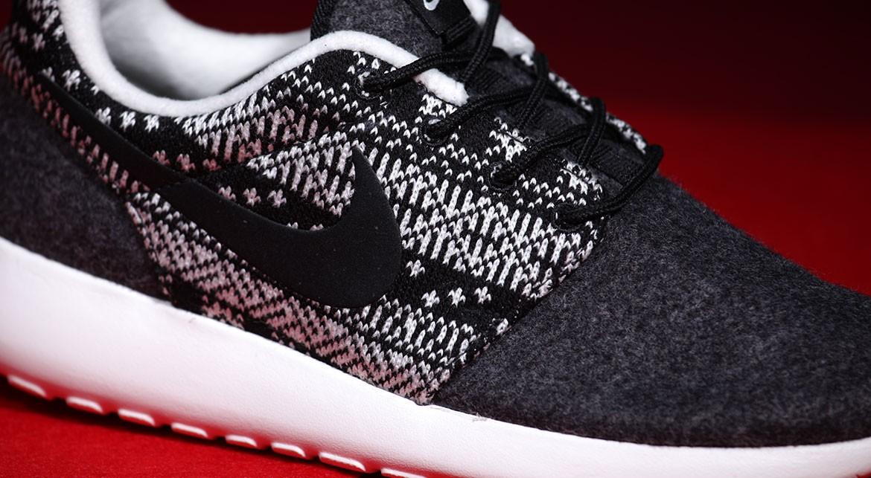 5b0394f3407bc Nike Roshe Runs That Look Like a Christmas Sweater
