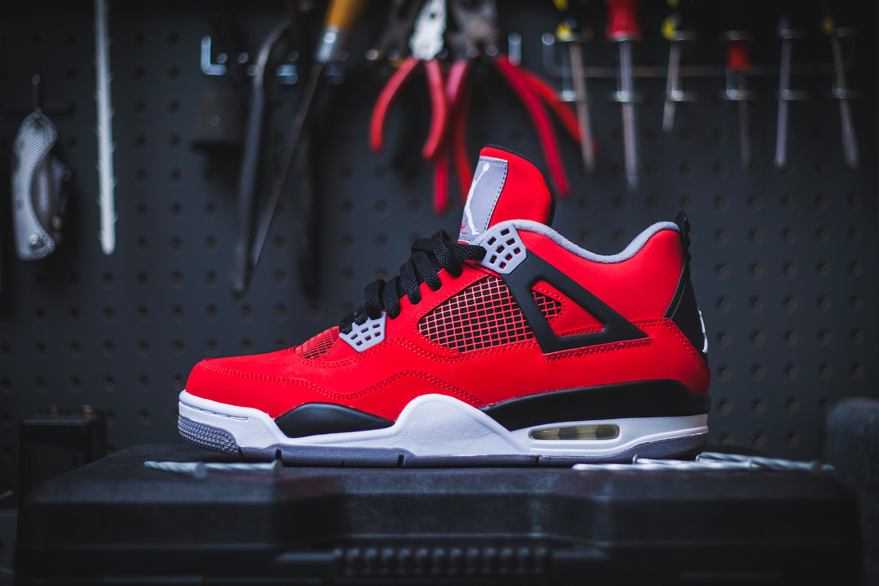 jordan retro 4 fire red