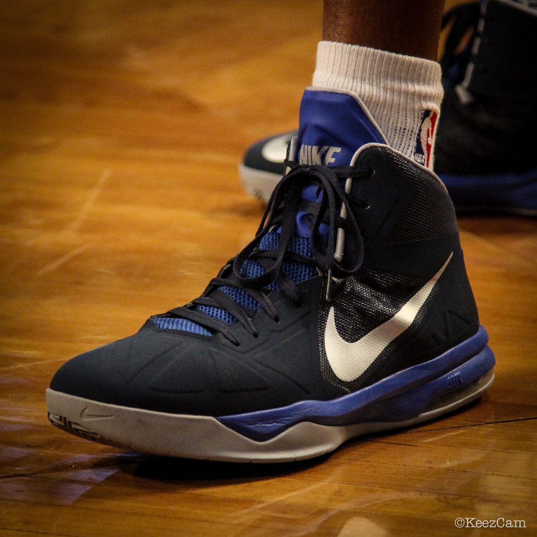 Vince Carter wearing Nike Air Max Body U PE