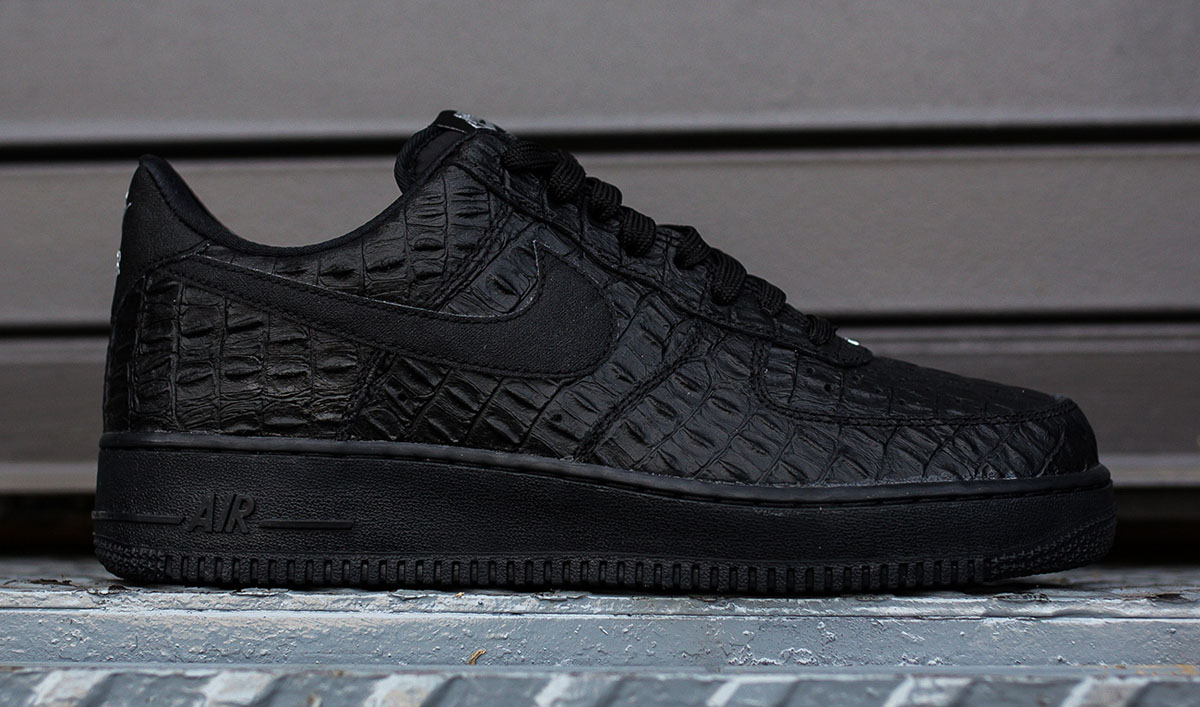nike rolls out a new air force 1 low 39 croc 39 pack sole collector. Black Bedroom Furniture Sets. Home Design Ideas