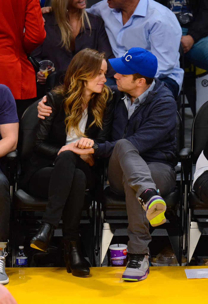 Jason Sudeikis Wearing 'Fresh Prince' Air Jordan 5 V (7)