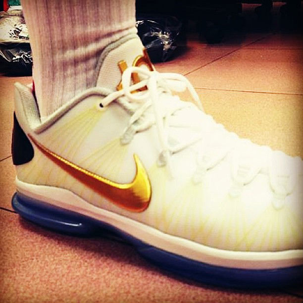 KD 5 Elite White Metallic Gold Black Pure Platinum 585385 100