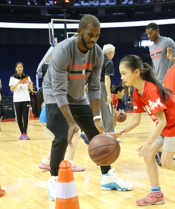Chris Paul wearing a 'Hornets' Air Jordan 13 PE (1)