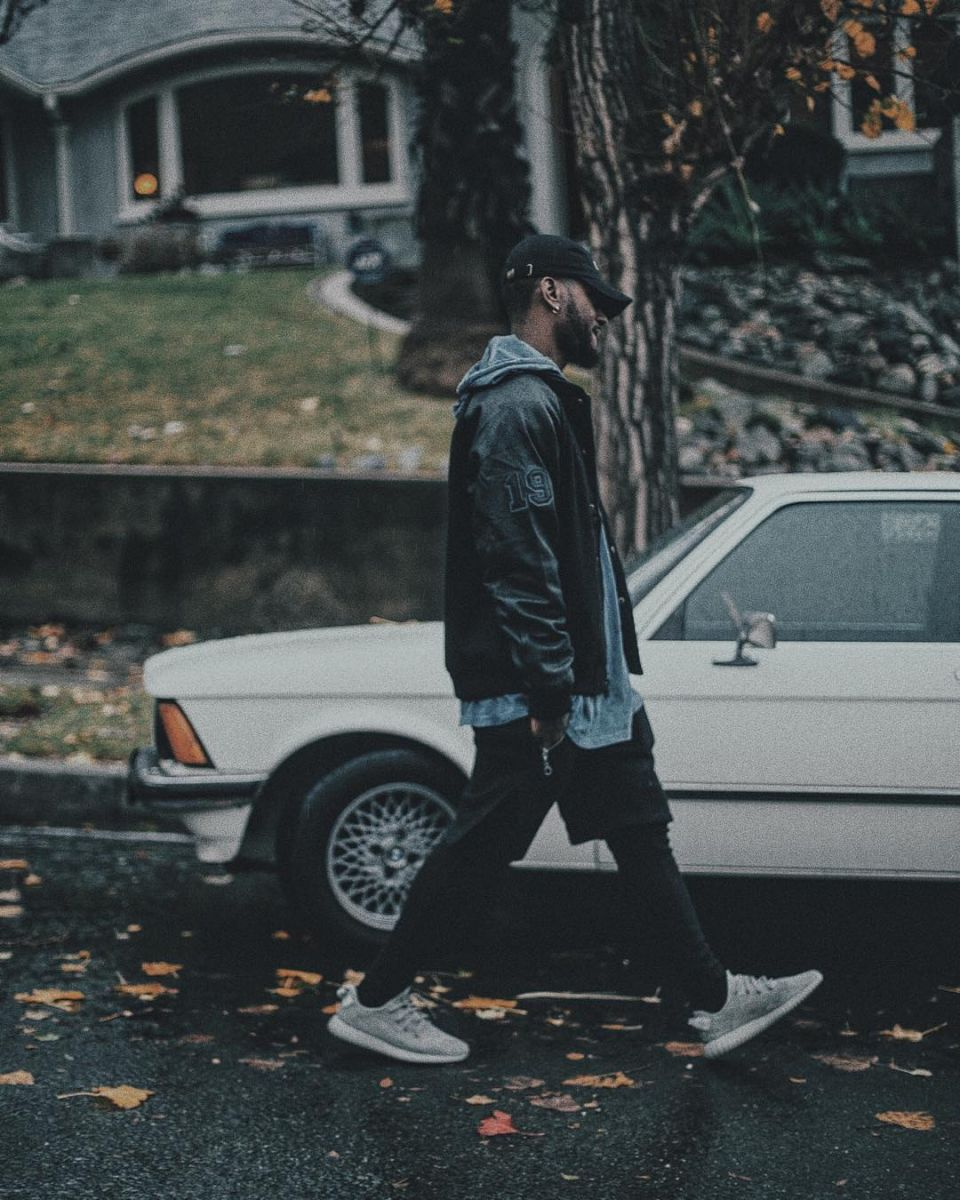 Bryson Tiller wearing the 'Moonrock' adidas Yeezy 350 Boost